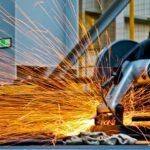 Afbramen rvs, het afbramen van metaal is nodig voor een mooi product